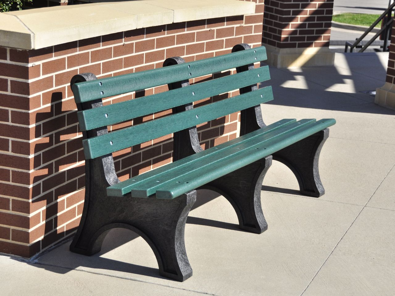 Central park bench by jayhawk plastics benches for park for Outdoor plastic bench seats